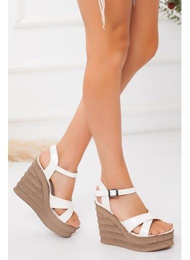 Derithy Derithy-Dolgu Topuklu Ayakkabı-Ten Süet Beyaz